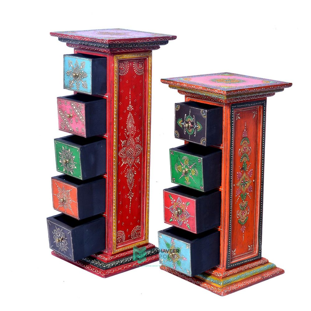 Emboss Painted Pillars
